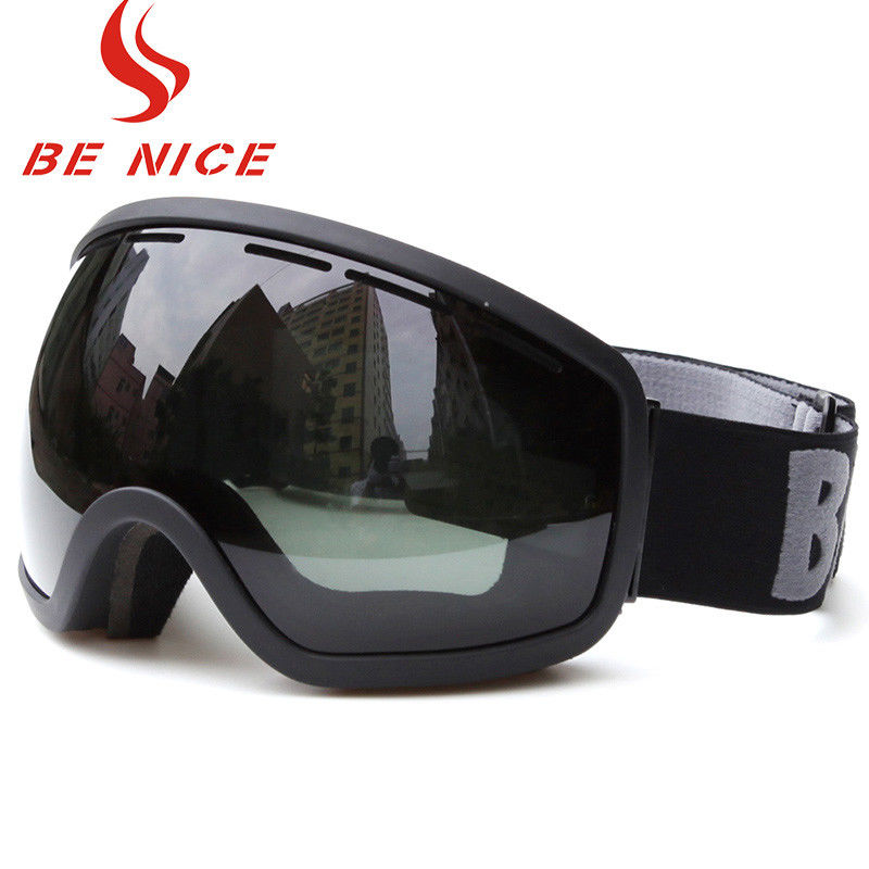 Smoke Color Lens Snow Ski Goggles Scratch Resistant Three Layer Foam For Skiing